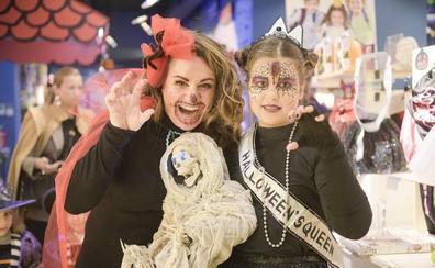 Los niños aterran a Oviedo en la noche de Halloween