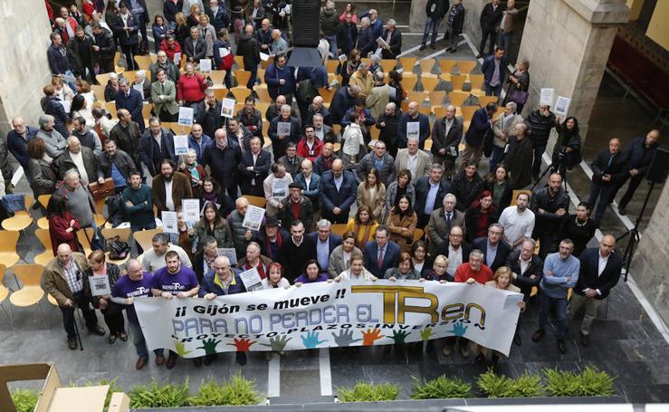 Gijón se moviliza para gritar «basta ya» a los retrasos en el plan de vías
