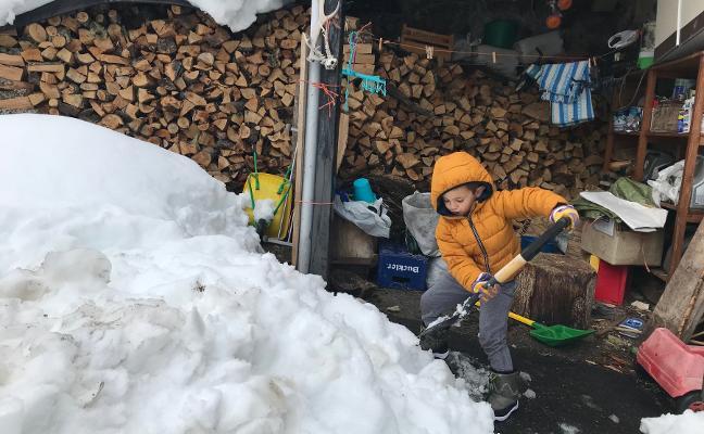 «A mí me encanta que haya nieve para 'espalarla'»