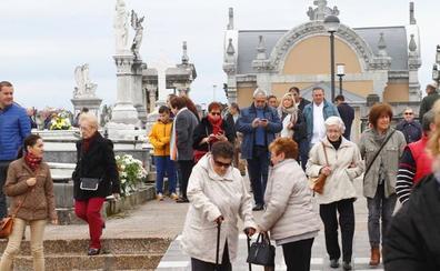 La comarca se mantiene fiel a la festividad de Todos los Santos