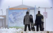 La estación de Pajares cancela su apertura ante la falta de nieve