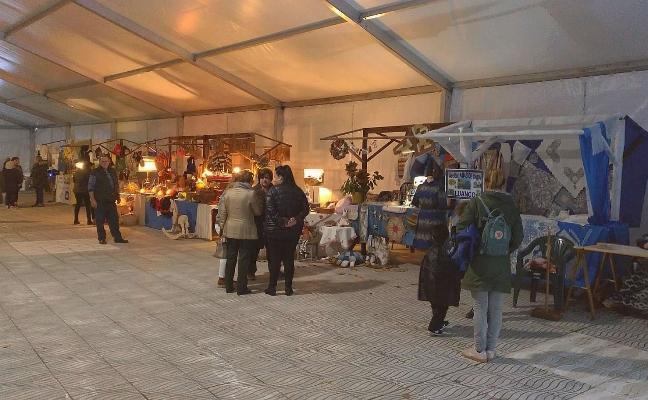 Muestra de artesanía en Luanco