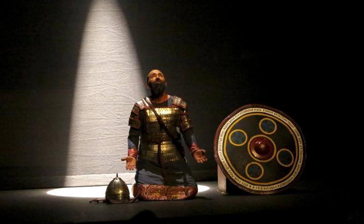 'El Pelayo' llena el Teatro Jovellanos
