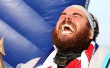 Un hombre da la vuelta a Gran Bretaña a nado por primera vez en la historia
