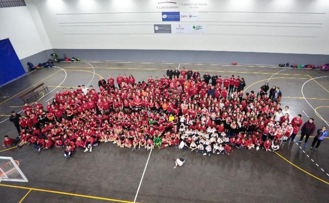 700 jugadores en la presentación de los equipos del Codema