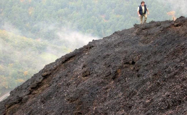 La Fiscalía ve peligrar la investigación de los incendios por una reorganización del Principado