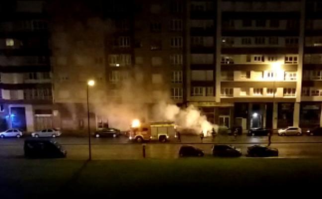 Arde un contenedor en Sanz Crespo