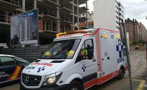 Herido un obrero tras caerse de una escalera en un edificio en construcción en Las Meanas