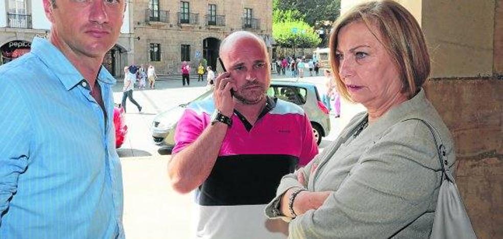 Mariví Monteserín: «Avilés tiene el jueves una cita en la calle al grito de Alcoa no se cierra»