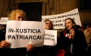Movilización en Oviedo contra la revisión de la sentencia de 'La Manada'