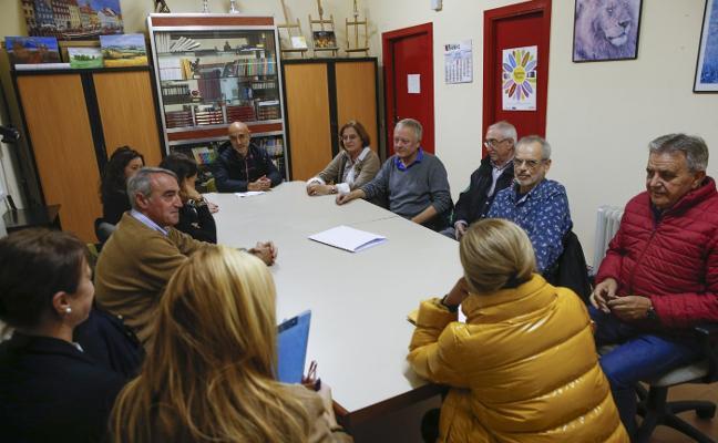 Viesques anuncia movilizaciones de protesta contra el proyecto de una gasolinera en Viñao