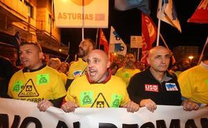 Multitudinaria manifestación contra el cierre de Alcoa