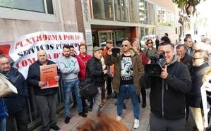 Protesta ante los juzgados por la sentencia de las hipotecas
