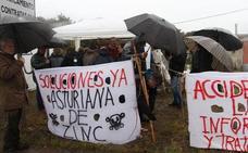 CCOO y UGT consideran totalmente «intolerable» la situación de los huelguistas de AZSA