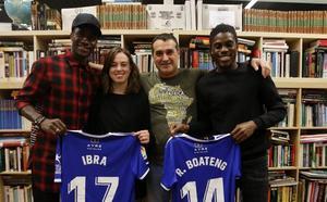 La cara más solidaria de Ibrahima y Boateng
