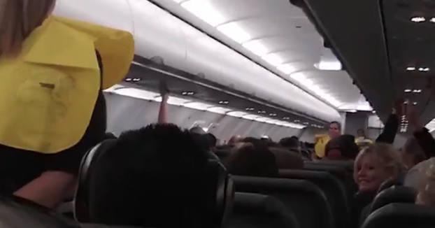 El impagable discurso de un piloto a sus pasajeros antes de despegar
