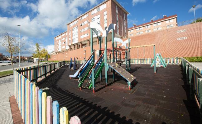 Los parques de El Carbayedo, Margarita Nelken y La Magdalena tendrán nuevos juegos infantiles