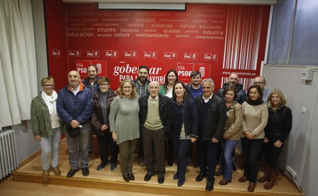La candidata del PSOE de Mieres a la Alcaldía se presenta a la militancia