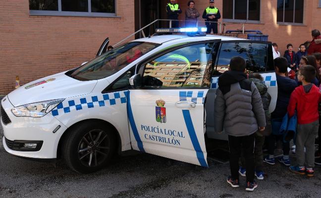 Los alumnos del Campiello visitan a la Policía Local