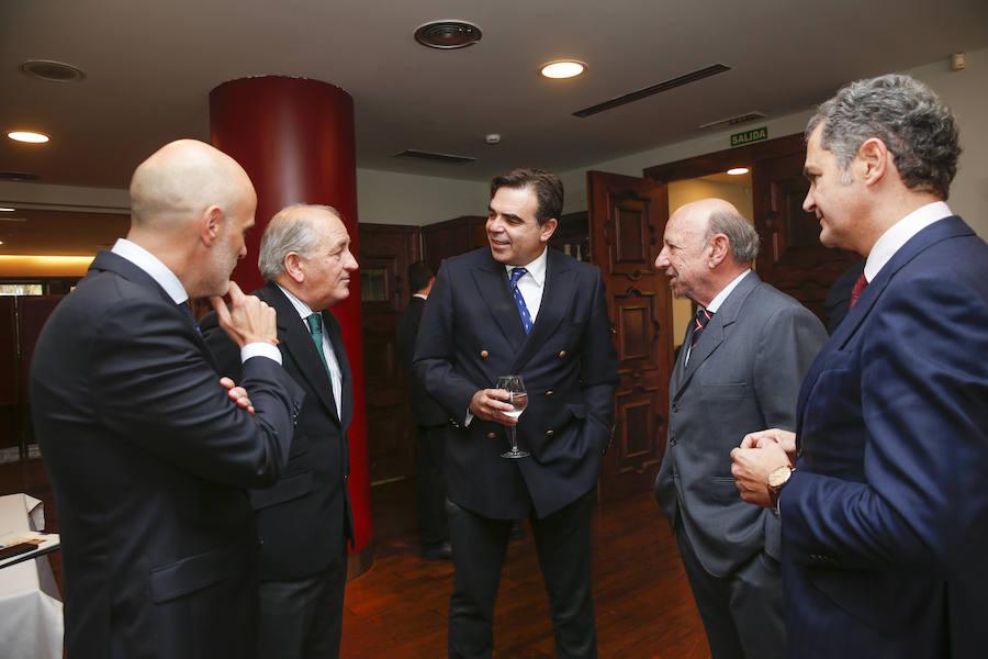 El futuro de la Unión Europea, a debate en el Club de Regatas de Gijón