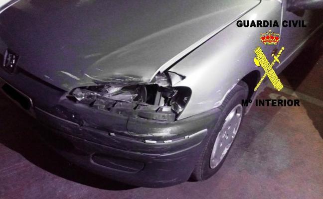 Un conductor de Ujo sin carné huye tras herir de gravedad a un motorista