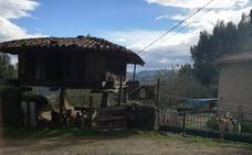 Tres encapuchados asaltan a tiros una casa en Villaviciosa