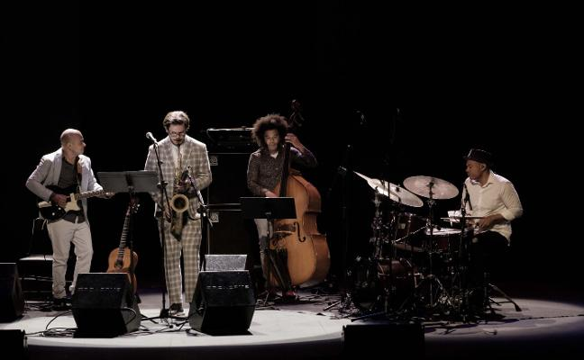 Carnaval de virtuosismo para abrir el jazz en Gijón