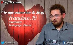 'First Dates': Un comensal boicotea la cena de la mesa de al lado: «¡Te voy a hundir la cita!»