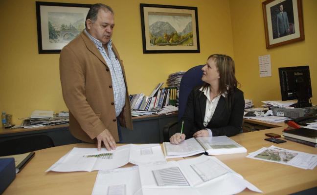 La Fiscalía denuncia a los exalcaldes de Ponga por una contratación irregular