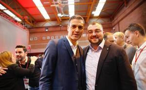 Adrián Barbón centra su programa en garantizar el estado de bienestar en Asturias
