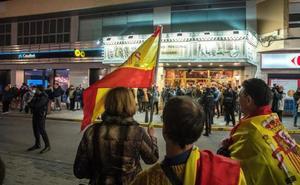 Dani Mateo, recibido con banderas de España en Ciudad Real