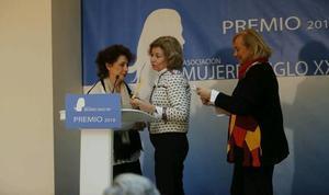 Mercedes Fernández ensalza la figura de Pilar Cernuda, «una periodista veraz y comprometida»