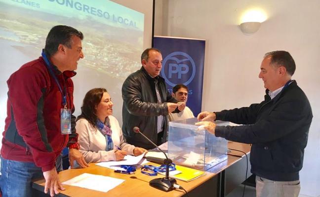 Los populares llaniscos proclaman a Lucio Carriles como su nuevo presidente