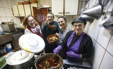 La elaboración del mejor pote asturiano