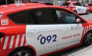 Sorprende a un ladrón en su domicilio de Gijón y lo retiene hasta que llega la Policía