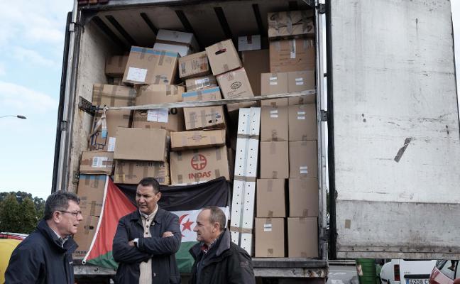 Seis camiones para ayudar al Sáhara