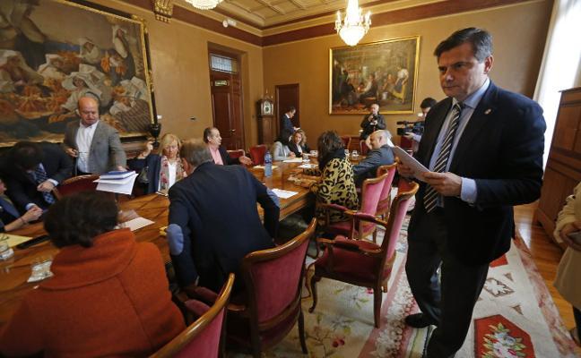 El presupuesto contempla una subida salarial del 2,3% a empleados públicos y diputados
