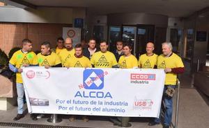 Alcoa, dispuesta a recibir ofertas que garanticen la viabilidad de las plantas de Avilés y La Coruña