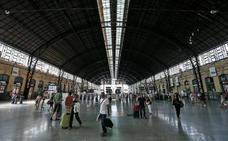 Un vigilante de seguridad halla una mano en una estación de tren de Valencia