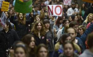 Los estudiantes asturianos se suman a la huelga para exigir el fin del «machismo» en las aulas