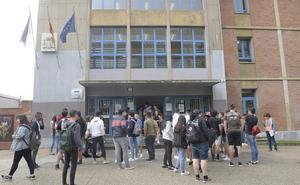 Un menor de 13 años, sin escolarizar en Asturias por la disputa de su custodia