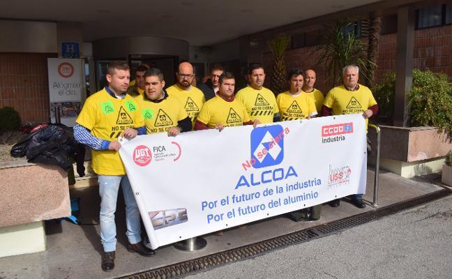Alcoa acepta escuchar ofertas para Avilés y La Coruña a cambio de negociar los despidos