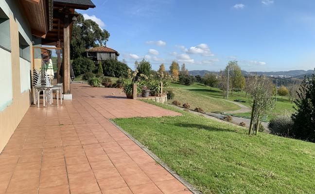 El Ayuntamiento requiere a Dolabay la apertura del campo de golf de Los Balagares