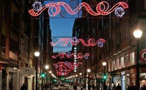 El Ayuntamiento «marcó como premisa que todos los barrios tuviesen iluminación»