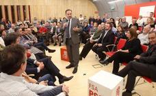 Ábalos dice que el PSOE convocará elecciones cuando solucionen cuestiones como las pensiones