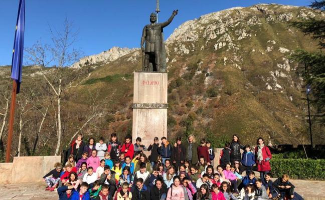 Los escolares de Infiesto visitan Covadonga