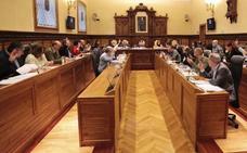 El gobierno promete «reajustes» en las luces navideñas tras la bronca del Pleno