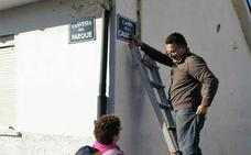 Los vecinos de Valdredo señalizan sus calles