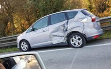 Cortan el carril derecho de la 'Y' a la altura de Robledo por un accidente