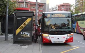 Vídeo: Pillan a un conductor de los autobuses urbanos de Gijón utilizando el móvil mientras está de servicio